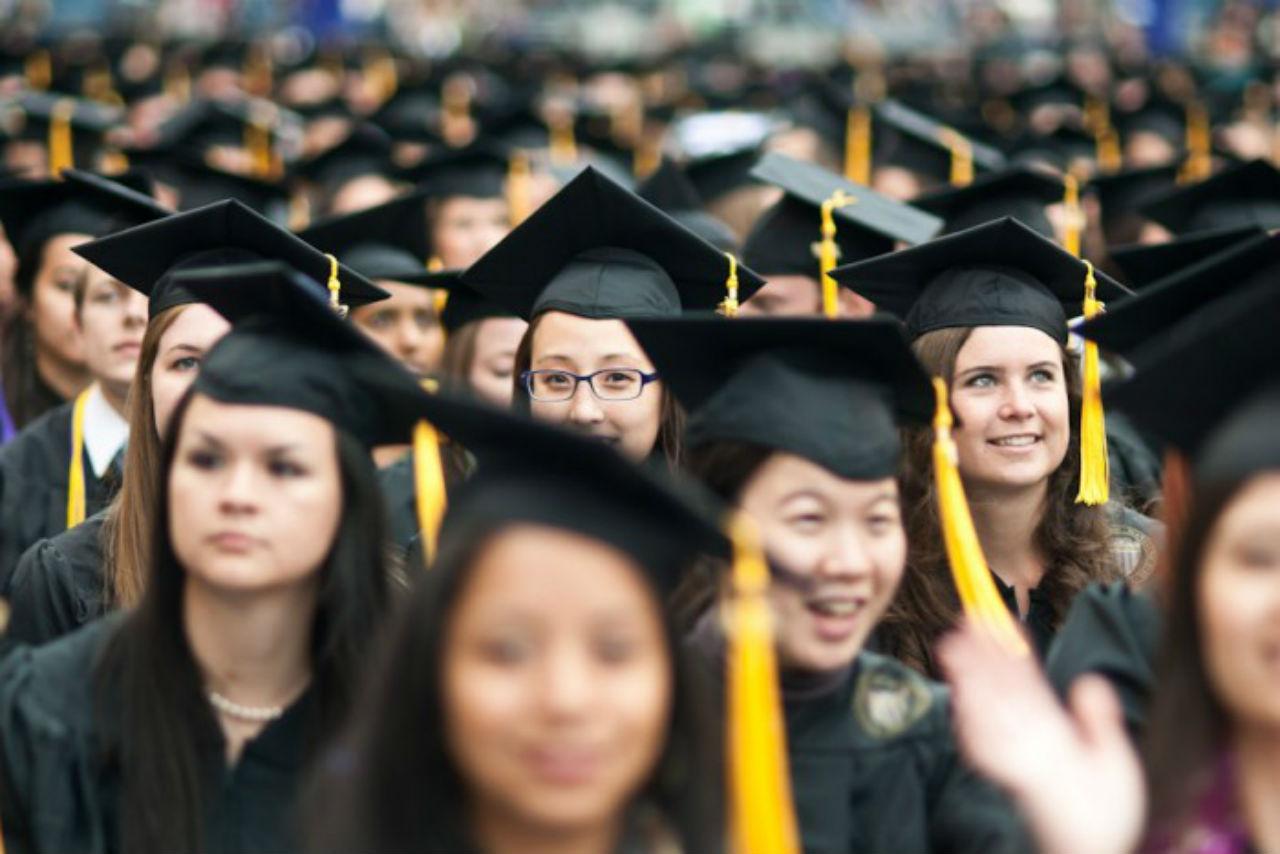 Sinh viên quốc tế nên bắt đầu lên kế hoạch cho kỳ OPT từ sớm trước khi tốt nghiệp
