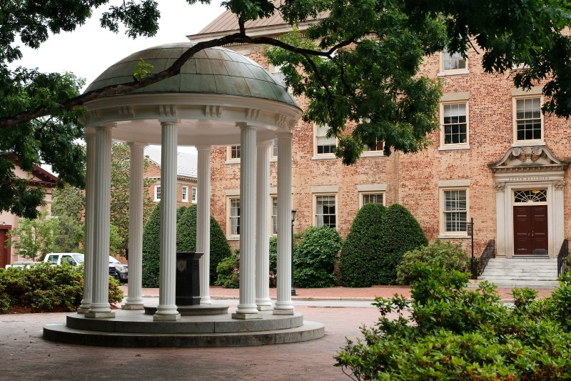 no-10-university-of-north-carolina-at-chapel-hill 10 đại học công lập tốt nhất Hoa Kỳ 2015