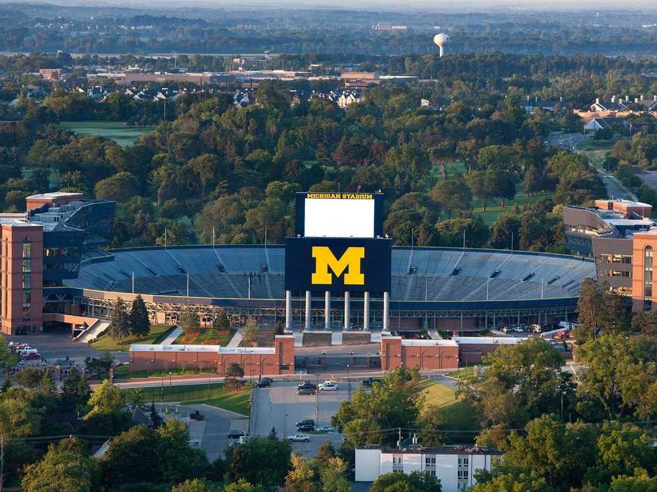 no-3-university-of-michigan-ann-arbor 10 đại học công lập tốt nhất Hoa Kỳ 2015