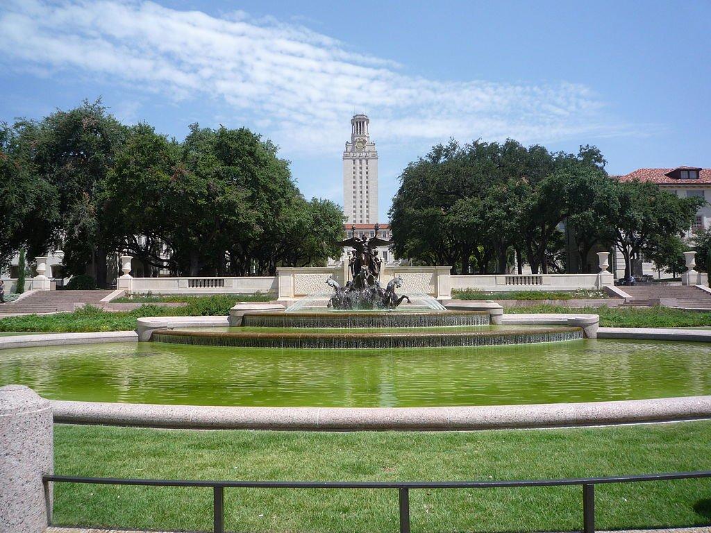 no-7-university-of-texas-at-austin 10 đại học công lập tốt nhất Hoa Kỳ 2015